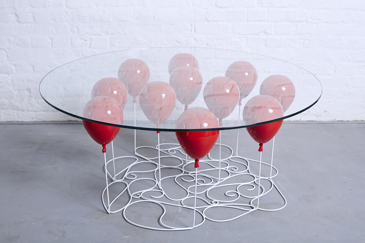 Up balloon coffee table round edition 2015 duffy london for Table design 2015