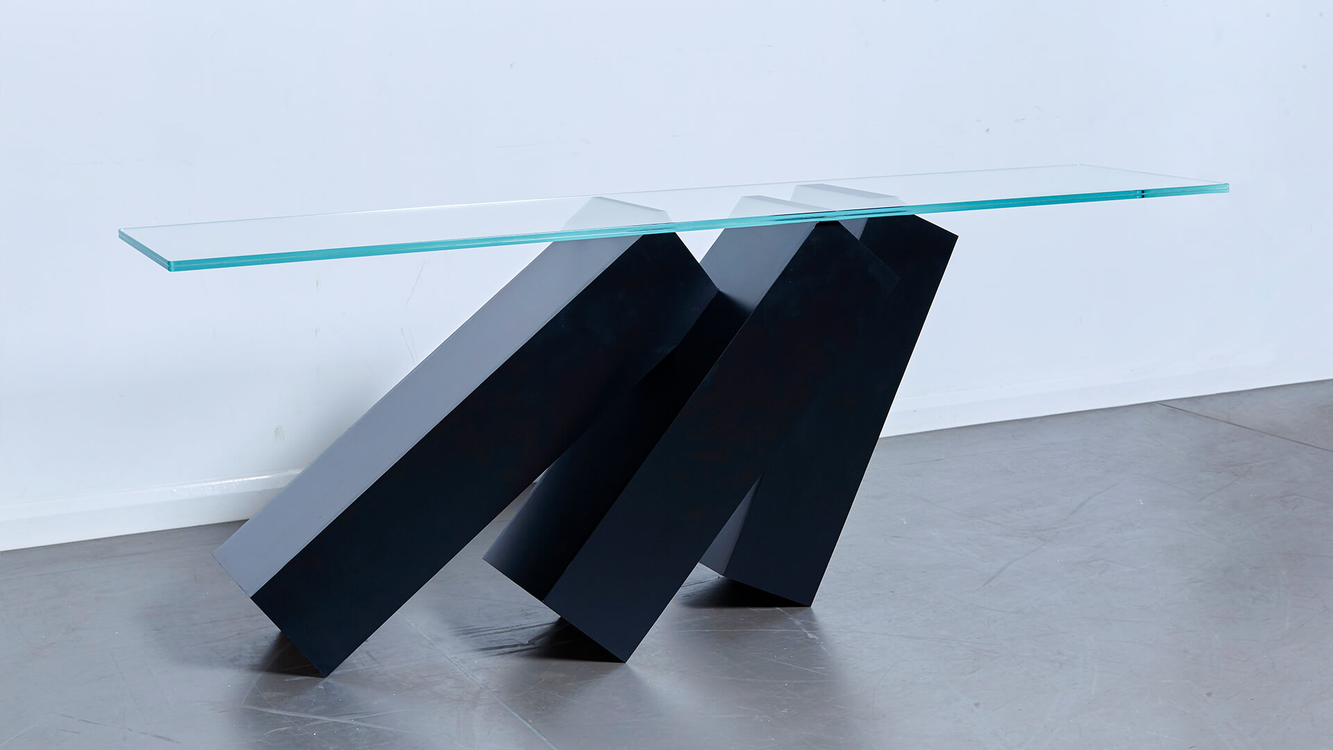 Monolith Console Table_Carousel Image_01