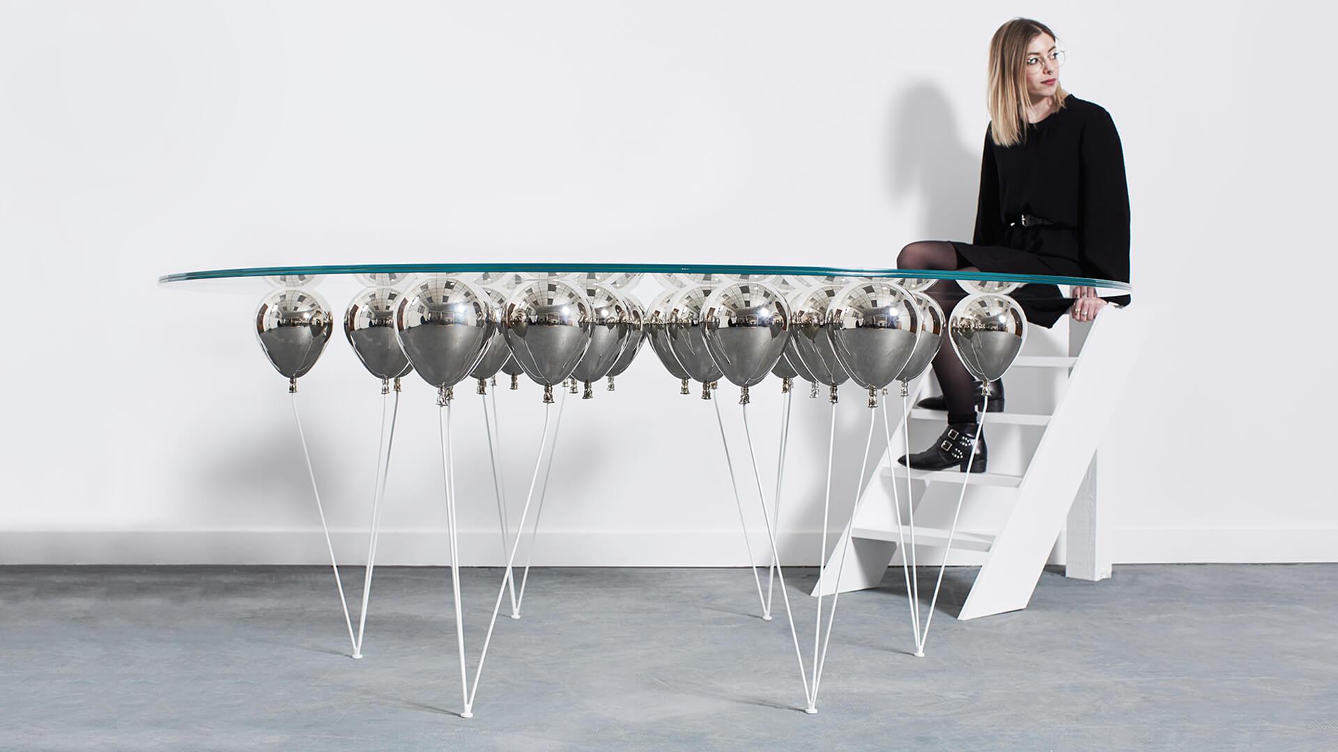 Balloon Dining Round_Carousel_03